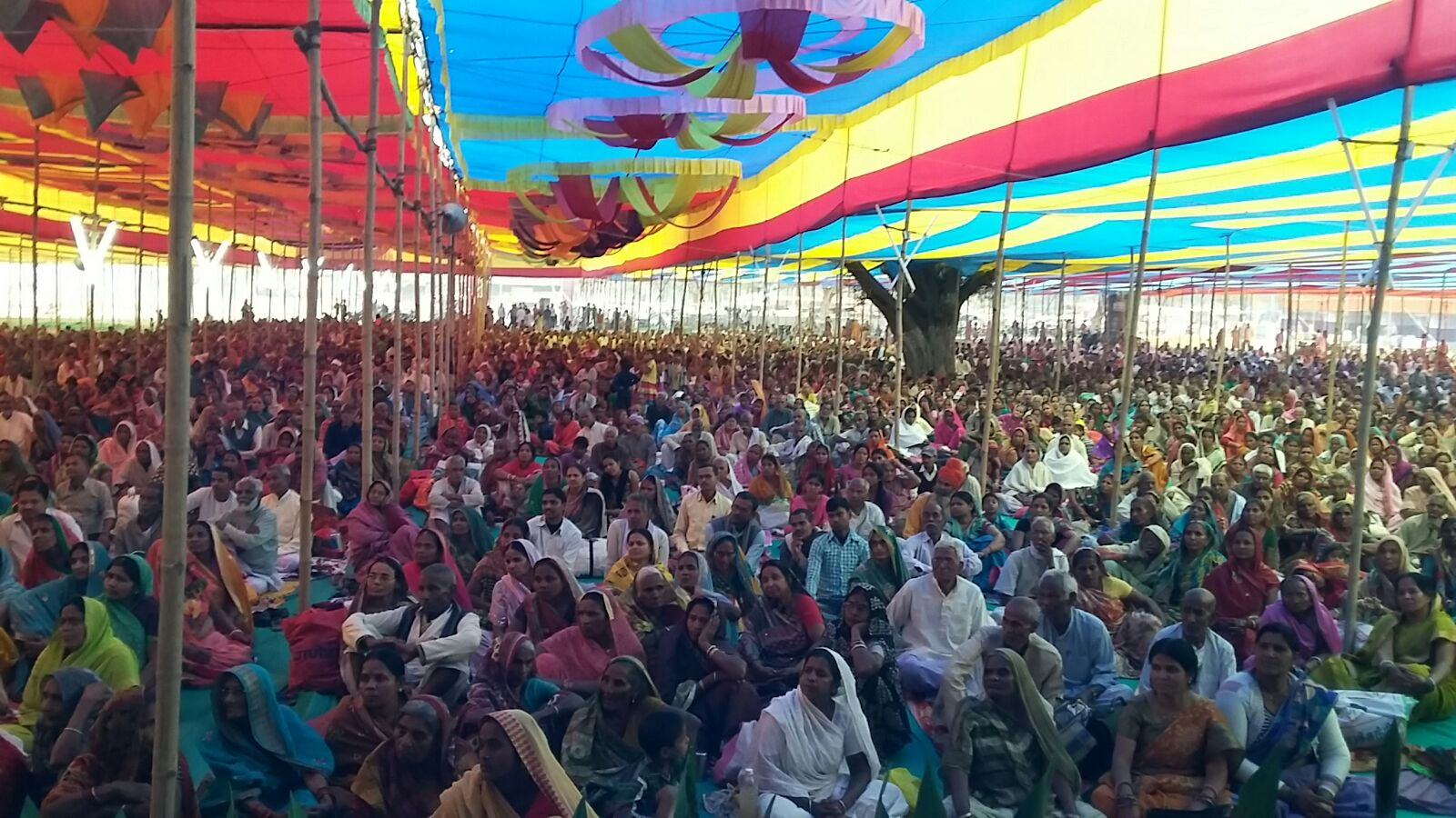 Devoted Audience in Lacks from different Districts & States too.