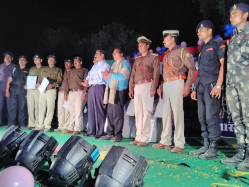 Samajsevi Dr.Bhupendra Narayan Yadav Madhepuri, S.P Vikas Kumar, D.D.C Mithilesh Kumar along with other Police Officers in the Ceremonial Police Saptah at B.N.Mandal Stadium Madhepura