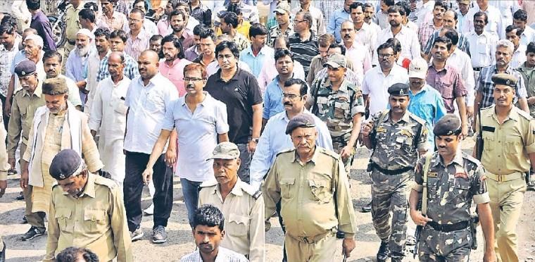 DM Md.Sohail, SP Vikas Kumar, SDM Sanjay Kumar Nirala participating in a procession at Madhepura .