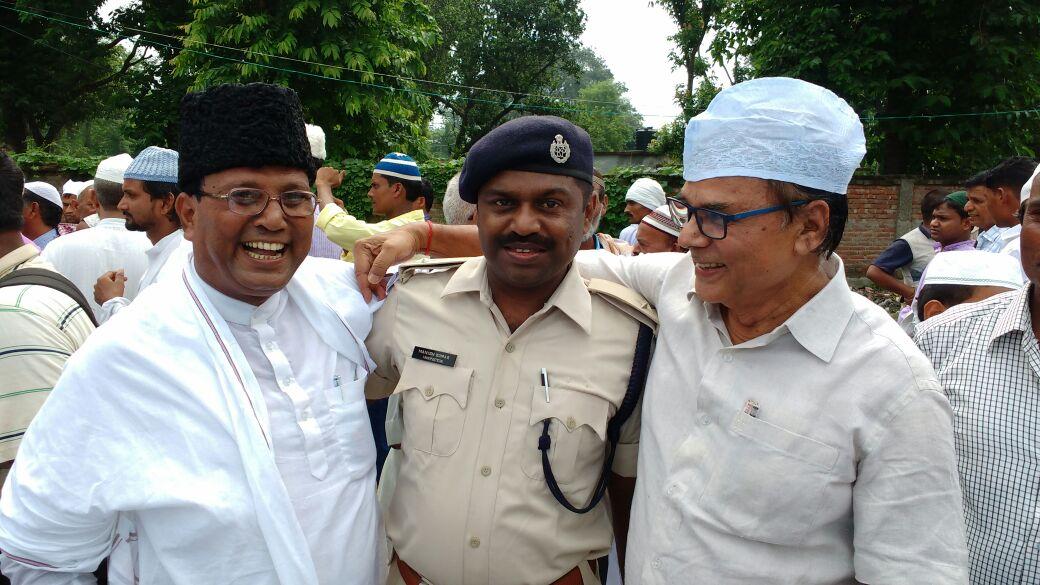 Samajsevi Md.Shaukat Ali, Madhepura SHO Manish Kumar and Samajsevi Sahityakaar Dr.Bhupendra Madhepuri at Eidgaah