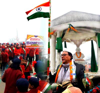 Dr.Bhupendra Narayan Yadav Madhepuri addressing kids after flag hoisting at Bhupendra Chowk, Madhepura on Republic Day 2018.