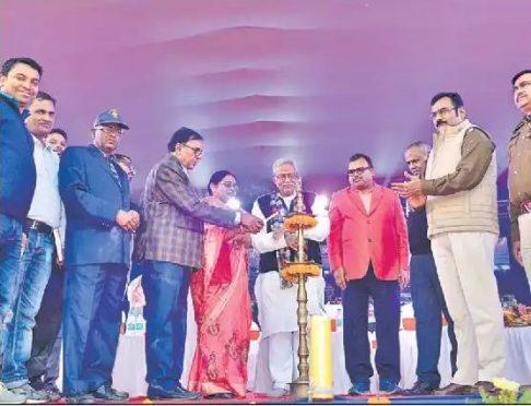 Member Singheshwar Mandir Trust Dr.Bhupendra Narayan Yadav Madhepuri, MLA Narendra Narayan Yadav and Zila Parishad Adhyaksha Manju Devi inaugurating Singheshwar Mahotsav 2018.