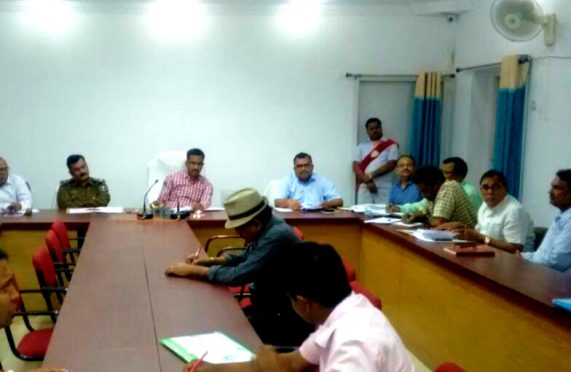 DM Md.Sohail (IAS) , SP Vikas Kumar (IPS) , DDC Mithilesh Kumar , SDM Sanjay Kumar Nirala and Samajsevi Dr.Bhupendra Madhepuri and other officers as well as social activists attending the meeting at Samaharnalaya Sabhagara to celebrate Bihar Diwas gracefully on 22nd March 2018 at Madhepura.