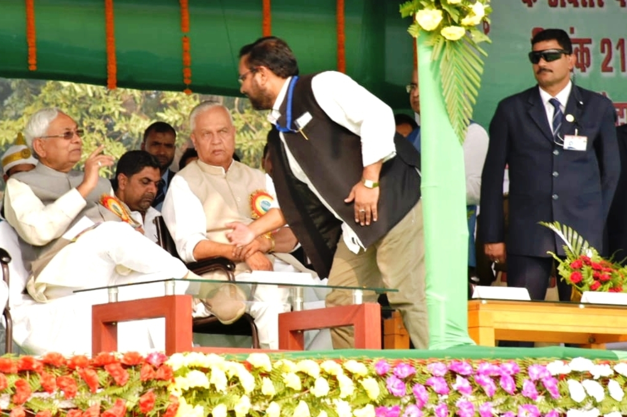 JDU Media Cell President Dr. Amardeep having discussion with CM Nitish Kumar during Sammelan, Energy Minister Bijendra Prasad Yadav also in picture