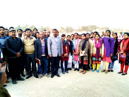 DM Navdeep Shukla , SDM Md.S.Z. Hassan, DCLR Lalit Kumar Singh & others amidst the students at Udakisunganj .