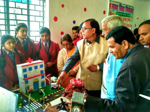 Renowned Professor of Physics Dr.Bhupendra Narayan Yadav Madhepuri along with Dr.Naresh Kumar, Prof.S.K. and Dr. Chandrika Yadav observing the work of students organised by Maya Vidya Niketan Madhepura on the auspicious occasion of Saraswati Puja.