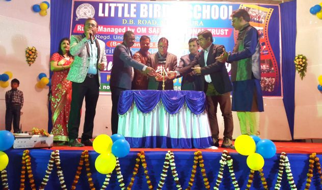 Dr.Bhupendra Madhepuri along with Dr.R.K.Pappu and others inaugurating the 8th annual day function of Little Birds School at BP Mandal Nagar Bhawan, Shahid Chulhai Marg Madhepura.