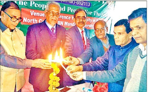 Former University Professor of Physics Dr.Bhupendra Narayan Yadav Madhepuri, VC DR.A.K Ray, Pro-VC Dr.Farookh Ali, Dr.Shivmuni Yadav, Dr.Naresh Kumar and Dr.Arun Kumar (HOD Zoology) inaugurating National Science Day Seminar at North Campus BNMU Madhepura.
