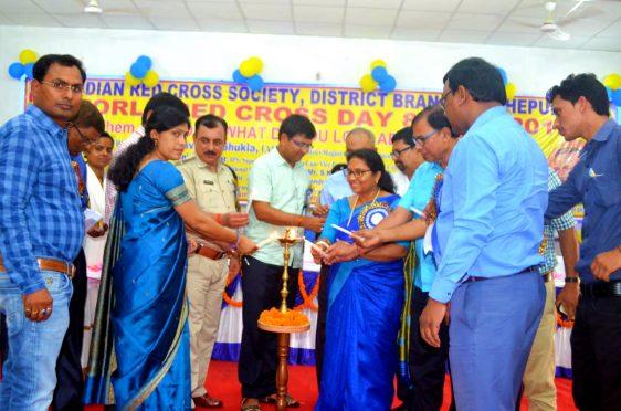 DM Navdeep Shukla, SP Sanjay Kumar , Samajsevi Dr.Bhupendra Madhepuri and others inaugurating World Red Cross Day Function at Bhupendra Kala Bhawan Madhepura.