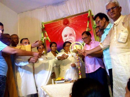 Samajsevi Dr.Bhupendra Madhepuri along with Rajyogini Brahmakumari Ranju Didi inaugurating function at Brahmakumari Ishwariya Vishwavidyalaya Madhepura.