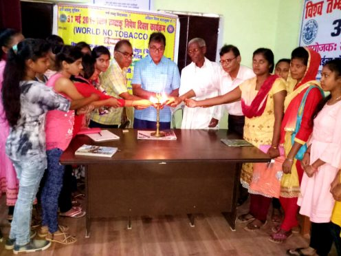 Samajsevi Dr.Bhupendra Narayan Yadav Madhepuri along with Saint Ganga Das and others inaugurating function on Vishwa Nasha Unnmulan Diwas at Parwati Science College Madhepura.