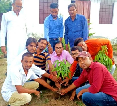 Dr.Bhupendra Madhepuri with others engaged in plantation at DL Public School, Madhepura on the occasion of 73rd independence day.