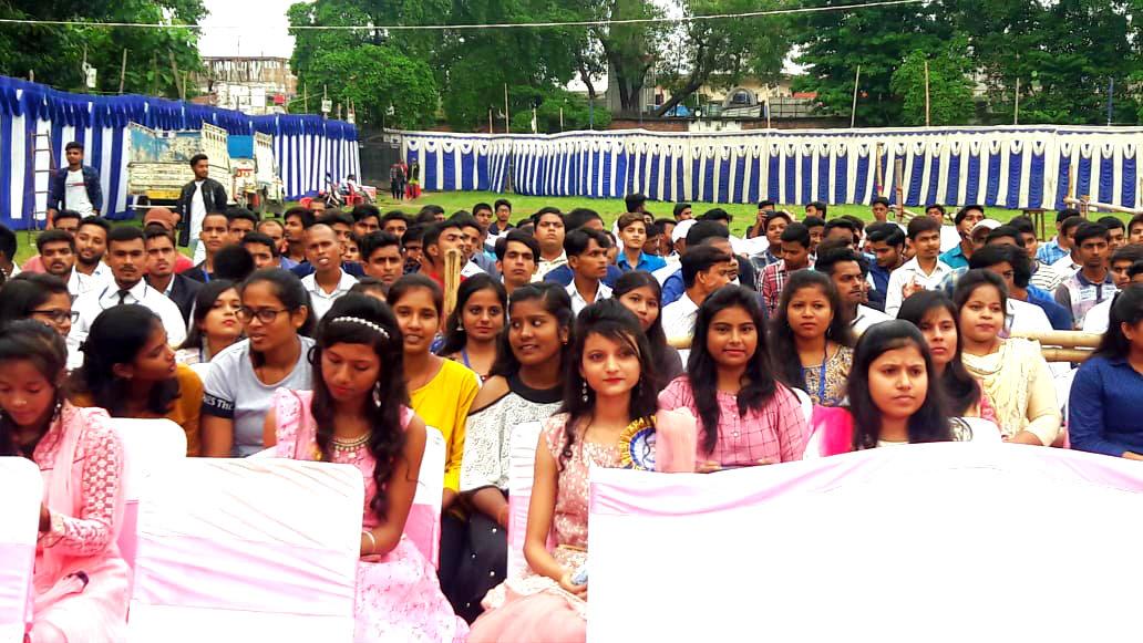 Students attending Hindi Diwas Function at B.P.Mandal Engineering, Madhepura.