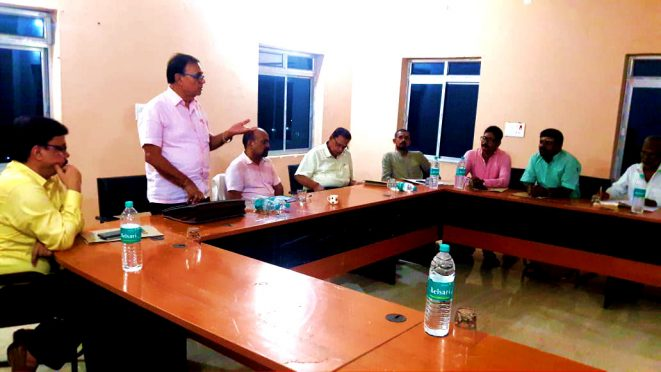Singheshwar Mandir Trust Member Dr.Bhupendra Narayan Yadav Madhepuri proposing Old age home & Eye Hospital during the Meeting.
