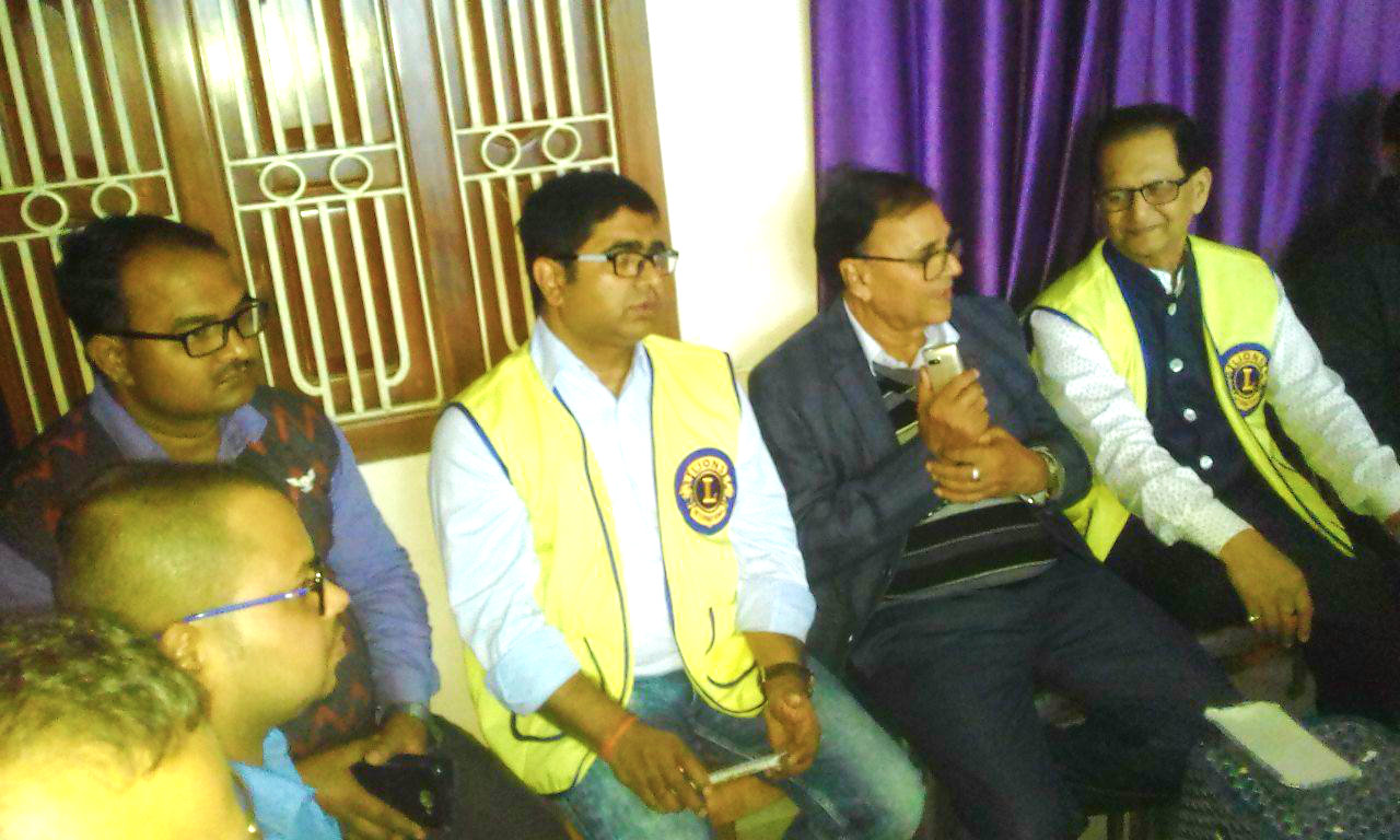 Chief Guest Dr.Bhupendra Madhepuri amidst President of Lion's Club Dr.S.N.Yadav and Secretary Dr.R.K.Pappu.