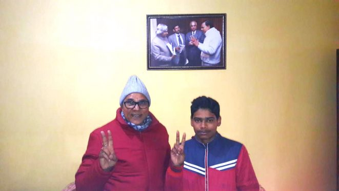 Young Scientist Anand Vijay with renowned Professor of Physics Dr.Bhupendra Narayan Yadav Madhepuri at Dr.Madhepuri's residence Vrindavan Madhepura.