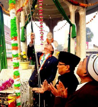 Dr.Bhupendra Narayan Yadav Madhepuri unfurling Indian Flag at Bhupendra Chowk,Madhepura.