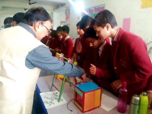 Dr.Bhupendra Narayan Yadav Madhepuri inspecting the Science Projects at Maya Vidya Niketan on the occasion of Vigyan Diwas.
