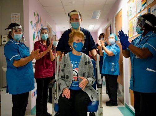 Margaret Keenan 1st woman gets corona vaccine