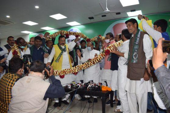 RCP Singh with former LJP leaders.
