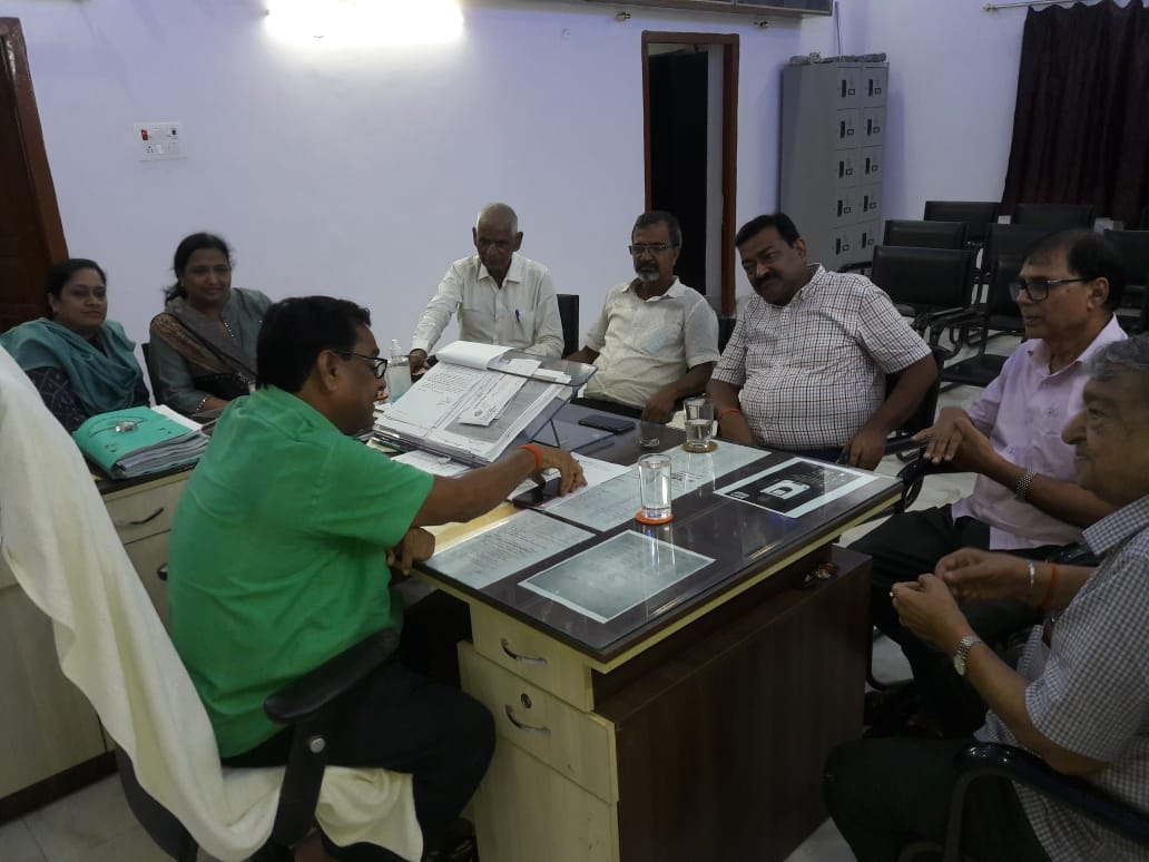 Principal Dr.K.P.Yadav, Retired IAS Bhagwan Das Tekriwal, Educationist Dr.Bhupendra Narayan Yadav Madhepuri, Dr.Arun Kumar and others at T.P.College Madhepura.