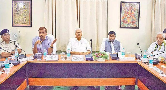 Energy Minister Bijendra Prasad Yadav , SC-ST Minister Ramesh Rishideo , Ex-Minister Narendra Narayan Yadav , Dynamic DM Md.Sohail , SP Vikas Kumar and others attending a Meeting on Badh Samiksha at Jhallu Babu Sabhagar Madhepura.