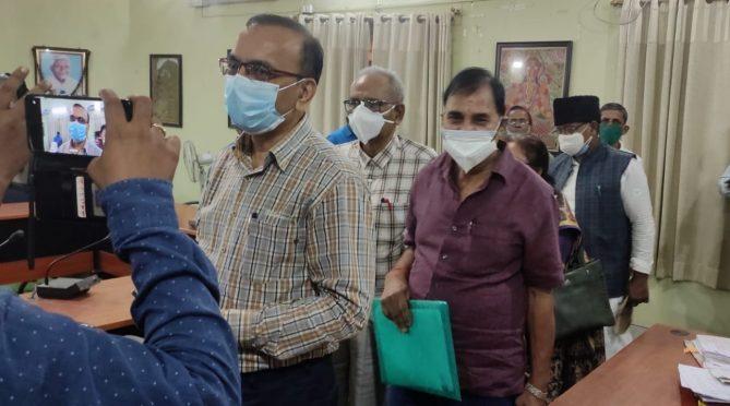 ADM Shiv Kumar Shaiv, Samajsevi Dr.Bhupendra Narayan Yadav Madhepuri and others going for meeting on Independence day preparation at Jhallu Babu Sabhagar .Madhepura.
